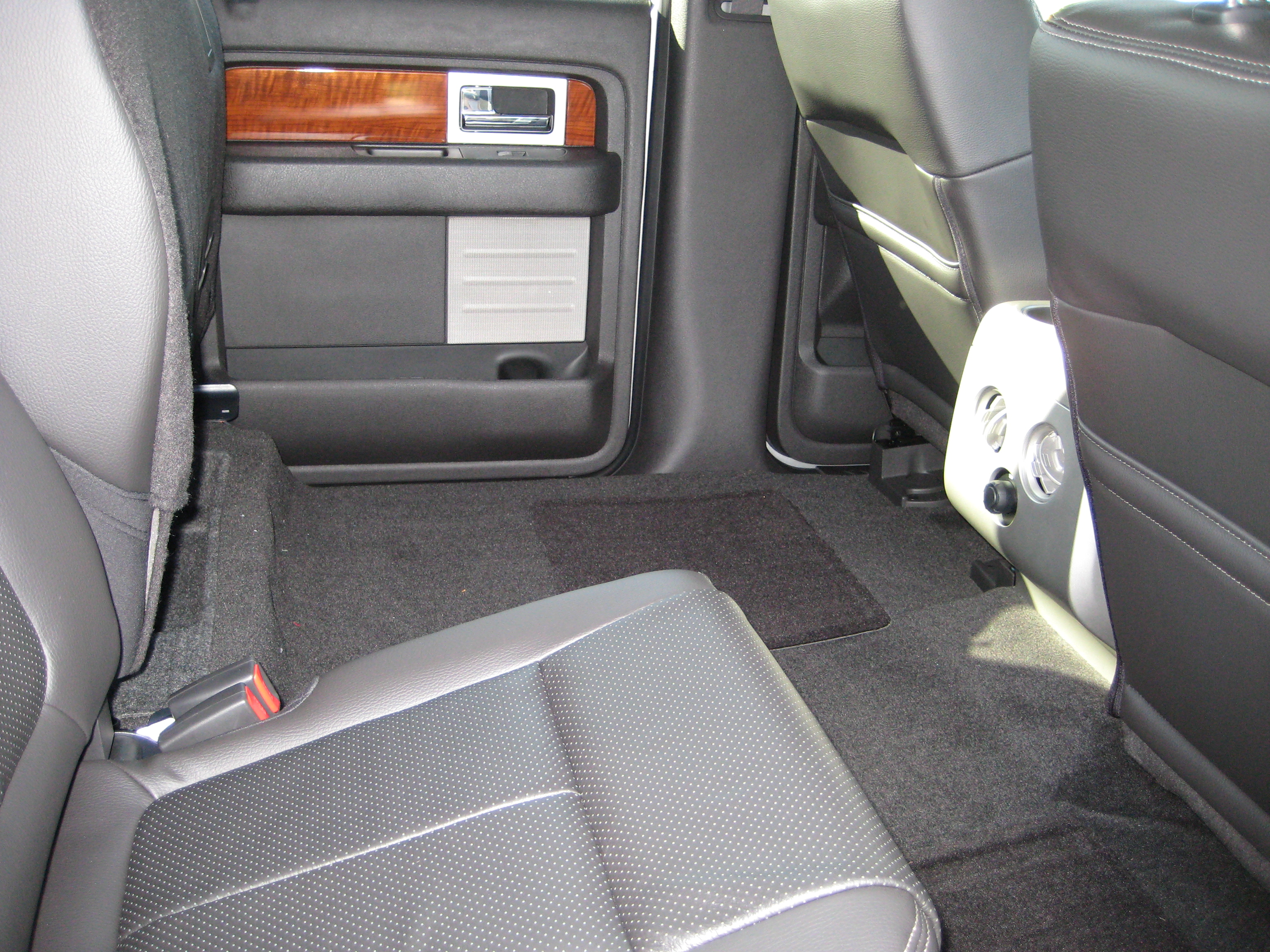 how to video fold down rear seats 2010 supercrew ford f150. Black Bedroom Furniture Sets. Home Design Ideas