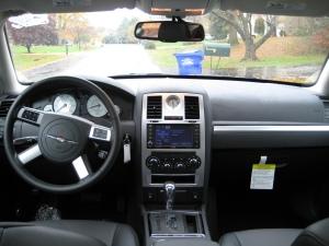 2010_Chrysler_300_Dash