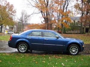 2010_Chrysler_300_Profile2