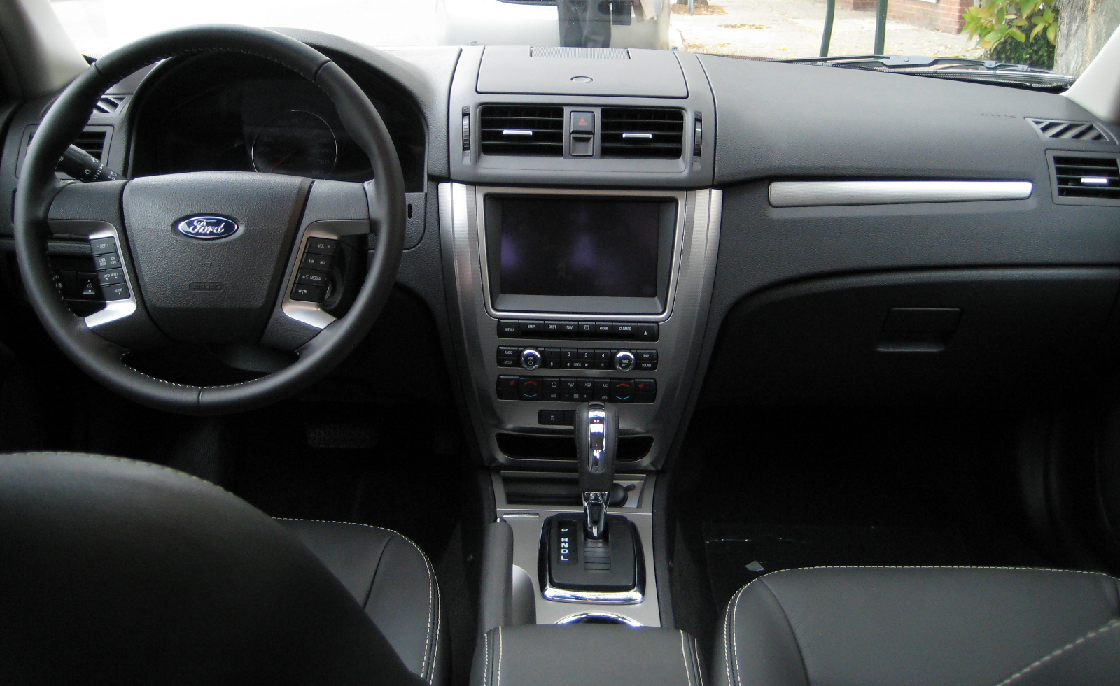 Review 2010 Ford Fusion Hybrid Road Reality