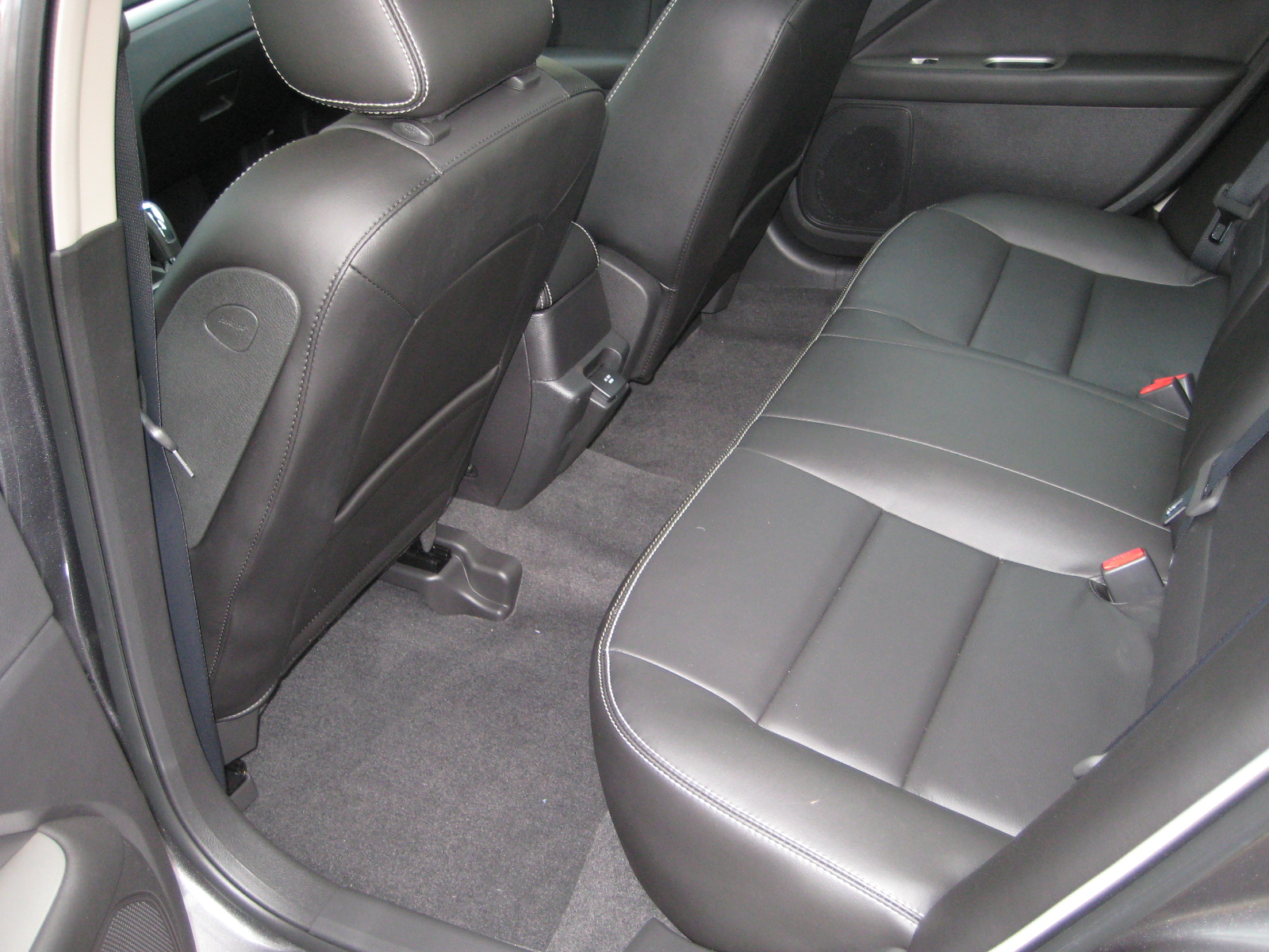 Review 2010 Ford Fusion Hybrid