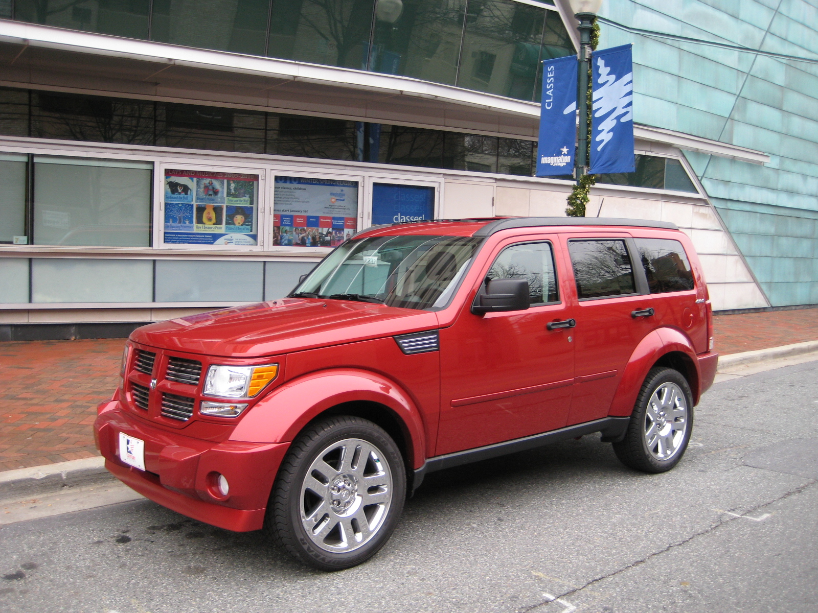 review 2010 dodge nitro road reality. Black Bedroom Furniture Sets. Home Design Ideas