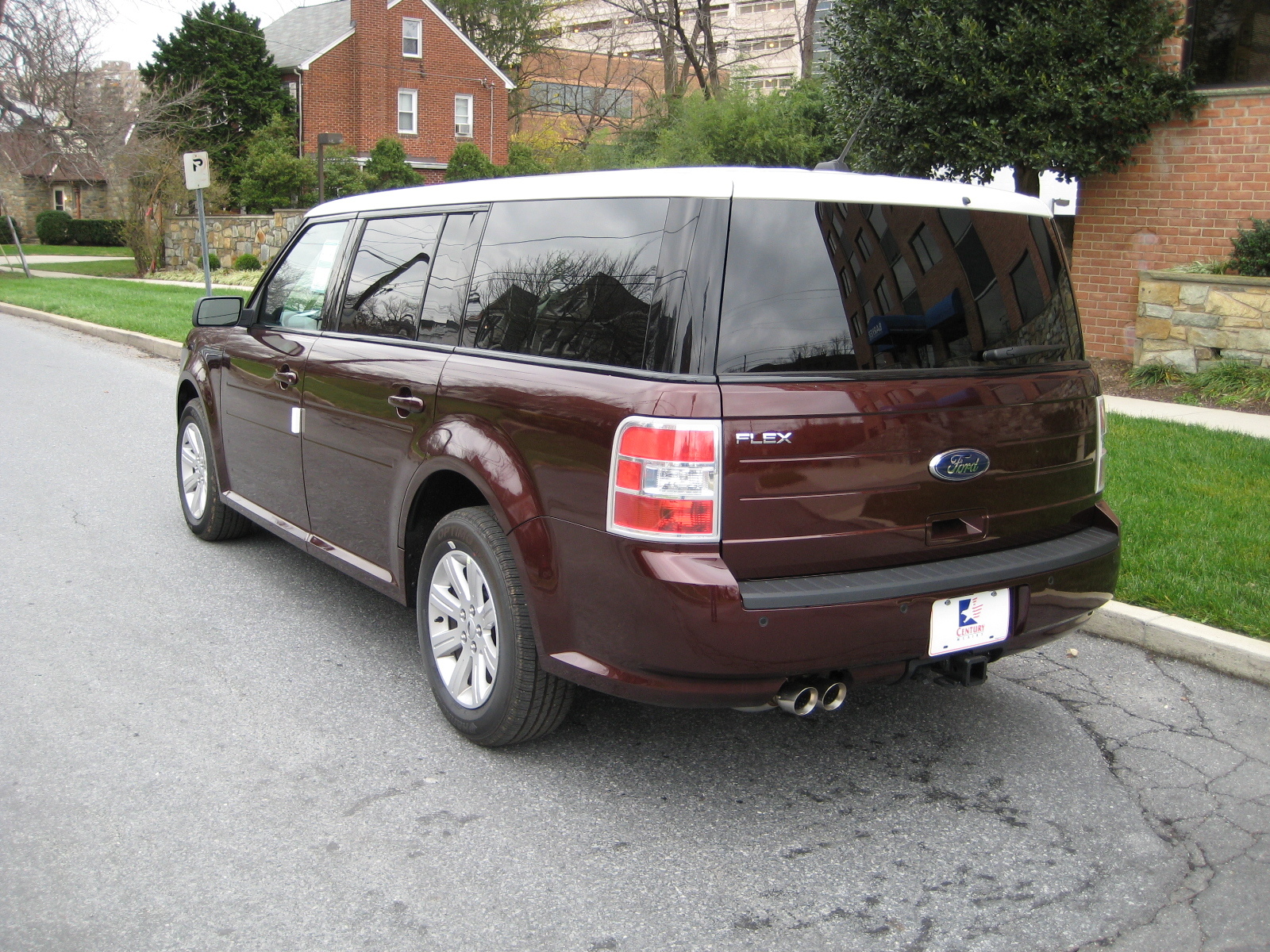 review 2010 ford flex se road reality. Black Bedroom Furniture Sets. Home Design Ideas